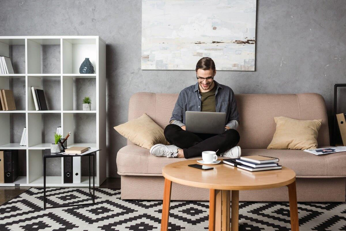 als-uebersetzer-in-heimarbeit-online-arbeiten