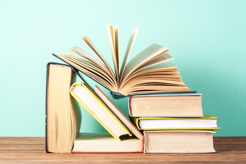 Lehrbücher für Fortgeschrittene Russische Bücher